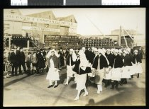 Image of Parade, 50th anniversary of the Benvenue wreck, 1932