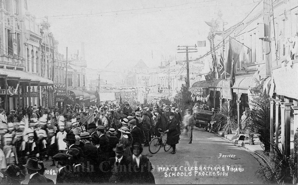 Peace Celebrations, Timaru Schools Procession - South Canterbury Museum