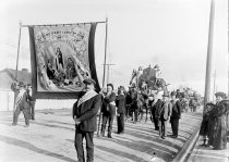 Image of [Timaru Oddfellows marching in the Coronation Parade, 1911] -