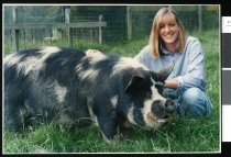 Image of Andrea Leslie and 'Honkie' - Timaru Herald Photographs, Personalities Collection