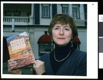 Image of Elspeth Sandys, author - Timaru Herald Photographs, Personalities Collection