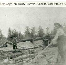 Image of Sluicing Logs on Mississippi River, Itasca Dam Outlet - Sluicing logs on Mississippi River, Itasca Dam outlet, 1906