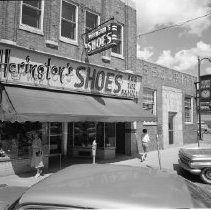 Image of Herington's Shoes, Bemidji - Herington's Shoes, Robert D. Herington, 321 Beltrami Avenue, Bemidji. Security State Bank, 323 Beltrami Avenue, Bemidji. June 1960