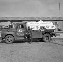 Image of L & G Skelgas, Bemidji 1960 - L & G Skelgas, Bemidji, June 1960