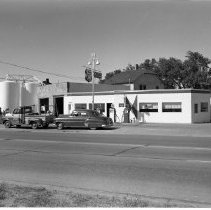Image of Rite-Way Cafe, Phillips 66 Station, 1960 - 108 Midway Drive, Rite-Way Cafe, owned by Cletus McNeely; Globe Service Station, 110 Midway Drive, Phillips 66 Products, owned by Albert Anderson. June 1960.