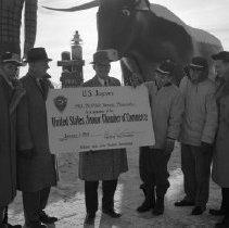 Image of Bemidji Jaycees 1959 Paul Bunyan Statue, Lakefront - Bemidji Jaycees 1959 Paul Bunyan Statue, Lakefront. Paul Bunyan becomes a member of the Jaycees. Joe Welle on far left, possibly Earle Dickinson.