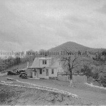 Image of Photo0090.jpg - Filling station on top of Shenandoah Mountain on Route 33.