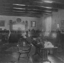 Image of Photo0108.jpg - Parlor room of the Spindle log cabin built 1750  Elkton, Virginia