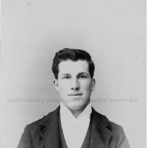 Image of Photo0134.jpg - Young man with dark hair in studio photo