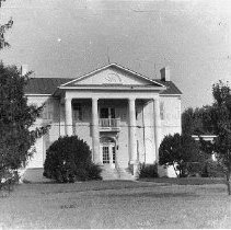 Image of Photo0165ov.jpg - Reherd house, columns in Greek Revival style