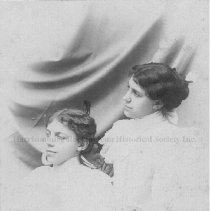 Image of Eva and Sue Forrer