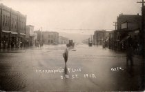 Image of Flooded 5th St. in 1915