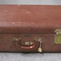 Image of 1987.163.001 - Suitcase