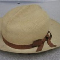 Image of 1990.125.001 - Hat