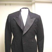 Image of 1990.172.001 - Tuxedo