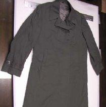 Image of 2000.078.002a - Coat