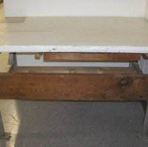 Image of 2000.101.001 - Table, Pressing