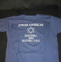 Image of 2004.017.002 - T-shirt