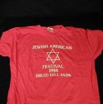 Image of 2004.017.005 - T-shirt