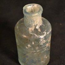 Image of 2013.049.110 - Bottle