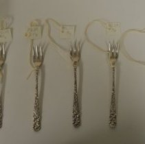 Image of 1992.219.019a-e - Fork