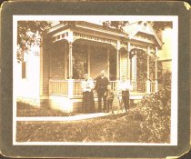 Image of Family picture at 2300 30th Ave. S., Minneapolis, early fall 1900