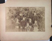 Image of Unidentified family photograph, undated