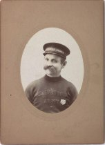 Image of Portrait of unidentified member of the Swedish Salvation Army