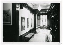 Image of 04.056 - Photograph
