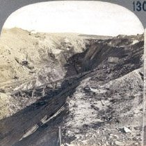 Image of Stereoscopic view of a open pit mine(One of a series of 22 educational stereographs.)                                                                                                                                                                         - 1969.024.0003G