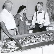 Image of Photograph of Harold Knapp, July 1957, at show and convention - 2007.007.0024