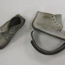 Image of 2011.40.1a-b - Shoe