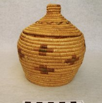 Image of 2009.01.33 image showing the front of the basket with the lid on