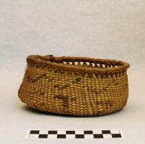 Image of 270.004 image showing the front of the basket