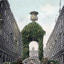 "Image of Postcard ""Mineral Water Fountain, Bath St, Bath"" - 1915 C"