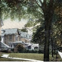 "Image of Postcard ""Queens Avenue. London, Ont"" - 1915 C"