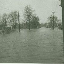 Image of Flood of April 1937 - Ingersoll Road near Main Street - 1937/04
