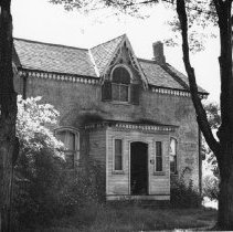 Image of Wilson Residence - This house was located at 150 Randall Street and then became 312 Randall Street on the south-west corner of Randall Street and Reynolds Street where the Randall Residences are now being built.