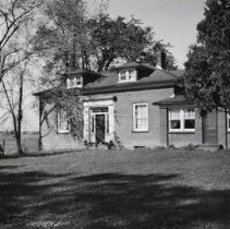 Image of Albertson House - This house belonged to the Albertson Family. It was located on Concession Road #2 N.D.S, Lot 6 (Back Concession at Trafalgar).