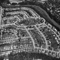Image of Aerial photo of Sixteen Mile Creek - Shows development in the curve of The 16 including Queen Mary Drive along the left of the picture and the Forester Park Oval.