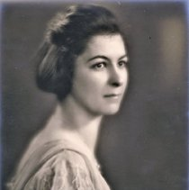 Image of Miss Ruth Robertson - Ruth is the younger dauther of John A. Robertson, and sister to Agnes Robertson. She grew up in Oakville, at 330 Watson Avenue.