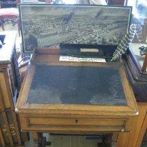 Image of 2009.137.1 - Desk
