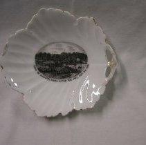 Image of 2009.437.1 - Dish