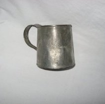 Image of 2009.782.1 - Cup