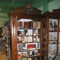 Image of 2010.8.1 - Cabinet