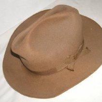 Image of 2009.99.1 - Hat