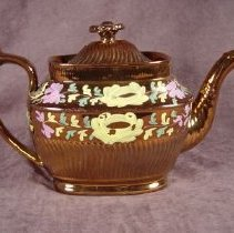 Image of 1949.017.02 - Teapot
