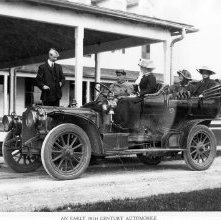 Image of 1966.016.0004 - An Early 20th Century Automobile