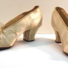 Image of Pair of Shoes - 1974.029.0050a-b