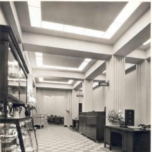 Image of 1976.006.0044 - Interior of the Electric Light Building